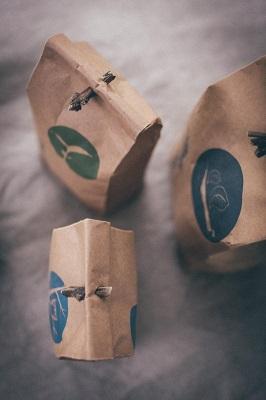 caamate-handbedruckte-naturpapiertüten