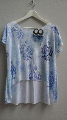 Arty-Look-Handbemalt-T-shirt-und-leder-Ohrringe